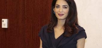 Беременная двойней жена Джорджа Клуни шокирует худобой. Фото