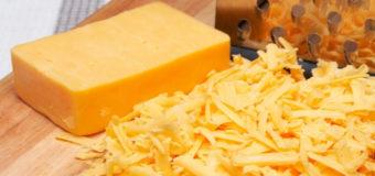 Cкульптор вылепил беременную Бейонсе из сыра. Фото