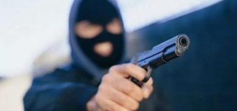 В Киеве девушка-кассир перепугала грабителя