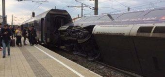 В Австрии лоб в лоб столкнулись пассажирские поезда. Фото