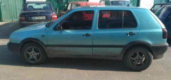 На Ровенщине водитель зажал руку копу дверью машины и поехал. Фото
