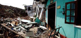 На Шри-Ланке под горой мусора погибли 16 человек, среди которых 4 ребенка. Фото