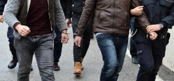 В Турции силовики массово задерживают людей