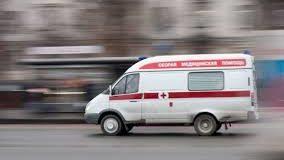 Во Львове карета «скорой помощи» наехала на сбитого другим авто подростка. Фото