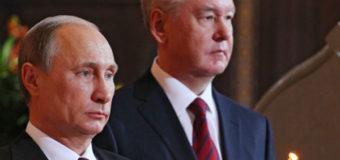 Россияне удивлены парой Путина на пасхальном богослужении. Видео