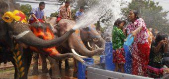 В Таиланде отпраздновали тайский Новый год. Фото