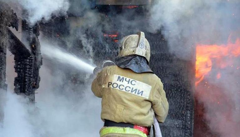Из-за пожара в России эвакуировали целый поселок