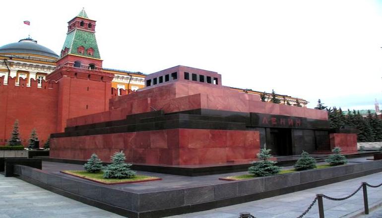 Вокруг захоронения Ленина в России разгорается скандал
