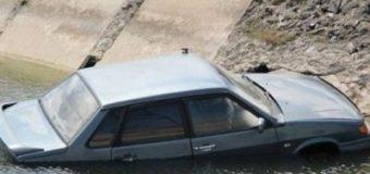 Страшная находка: в Мелитополе извлекли трупы из затонувшего авто