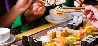 Медики предупреждают об опасности употребления суши