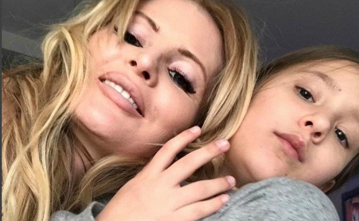Мать втаптывала меня в грязь: Дана Борисова готова судиться с матерью за дочь