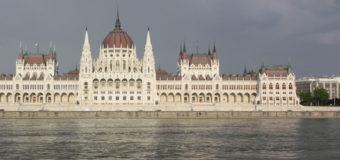 На Дунае в Венгрии столкнулись два украинских судна