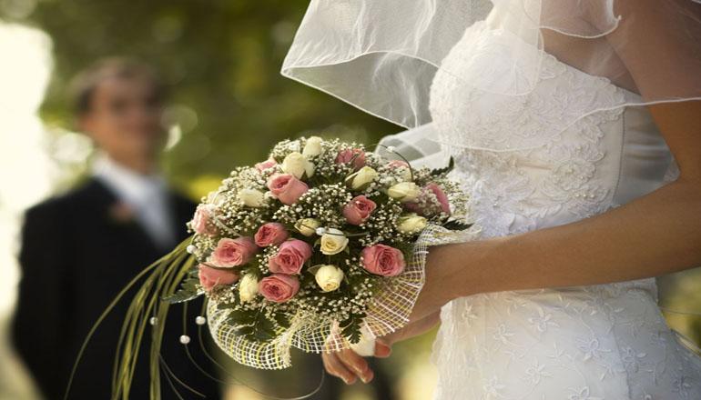 В Киеве можно будет зарегистрировать брак на улице