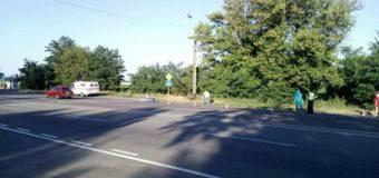 В Херсоне КамАЗ сбил велосипедистов и скрылся: погибла девушка-спортсмен. Фото