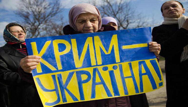 Порошенко призывает решить вопрос с изменением статуса Крыма