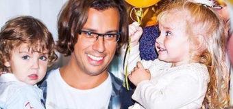 Максим Галкин показал, как играет с дочкой. Видео