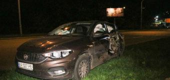 В Киеве из-за пьяного полицейского столкнулись три авто. Фото