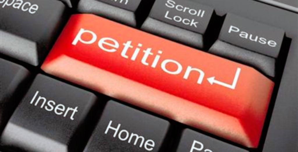 Родители школьников просят помощи у Петра Порошенко