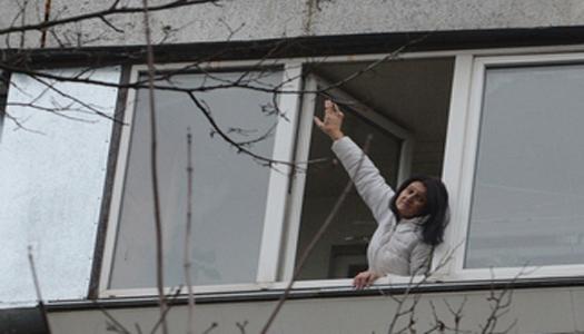 Киевская учительница поймала на лету выпавшего с 9-го этажа соседа