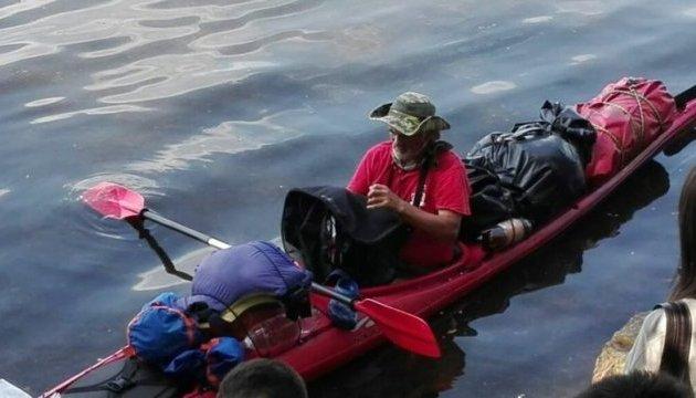 Путешественник из Днепра несколько дней провел в открытом море без еды и сна