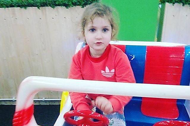 Внимание! В Николаеве бесследно исчезли женщина и ее 4-летняя внучка. Фото