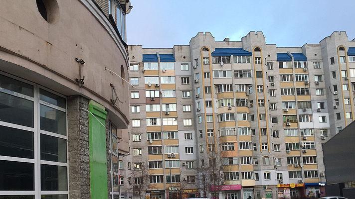 В Киеве заметили «мусорных» коз. Фото