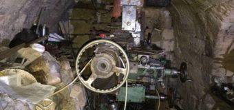 У стрелка из Одессы под землей обнаружили мастерскую оружия. Фото