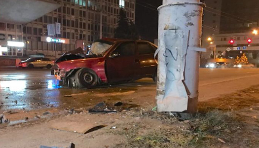 В Киеве подполковник полиции попал в аварию и сбежал из больницы
