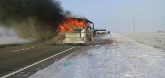 Врачи рассказали о состоянии выживших в сгоревшем автобусе в Казахстане