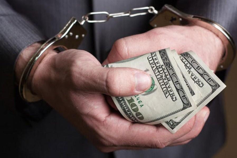 Детективы разоблачили 300 украинских коррупционеров