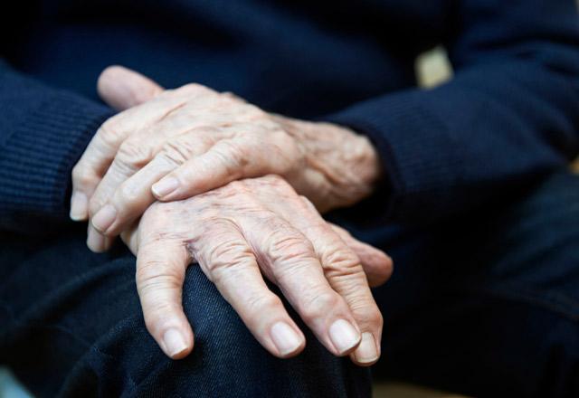 В Пуще Водице четвертый день мерзнут пациенты в госпитале для ветеранов