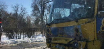 В Луцке столкнулись две маршрутки, много пострадавших. Фото