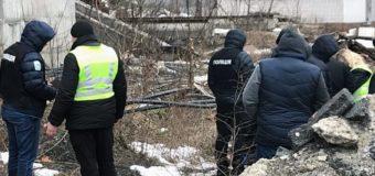 В Киеве девочка спрыгнула с недостроя. Фото