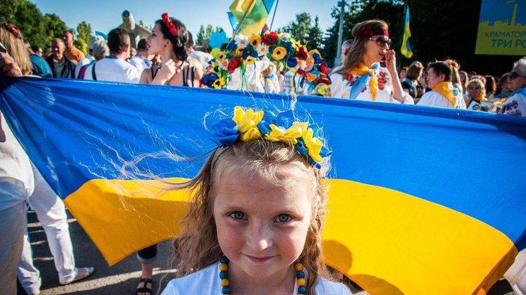Майские праздники: украинцы будут отдыхать четыре дня подряд
