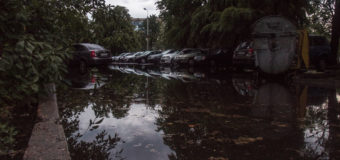 В Киеве бушевала грозовая стихия. Фотофакт