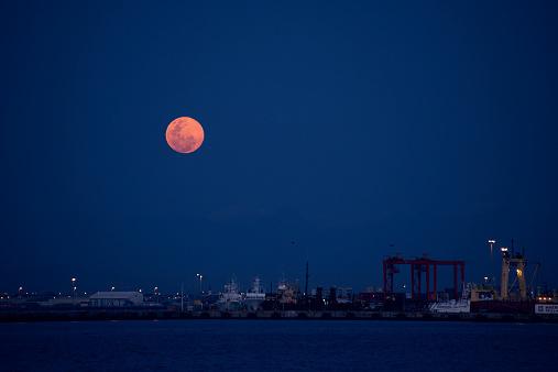 Наблюдать за «кровавой»Луной можно в ночь с 27 на 28 июля