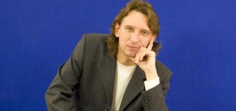 Известный композитор погиб в автокатастрофе