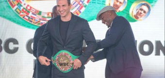 Владимир Кличко получил пояс почетного чемпиона WBC