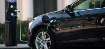 Рада продлила отмену НДС и акциза на импорт электромобилей до 2022