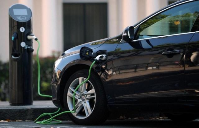Исследование: Электромобили сравнили с обычными авто