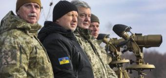 Петр Порошенко пообещал не продлевать военное положение