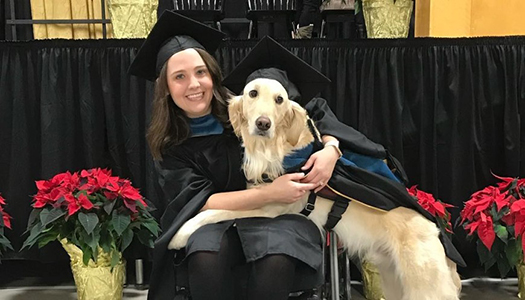 Нью-Йорке собака получила диплом о высшем образовании
