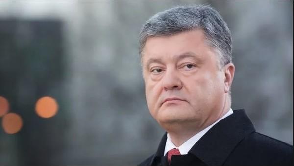 Мир признал Томос для украинской церкви победой Порошенко — эксперт