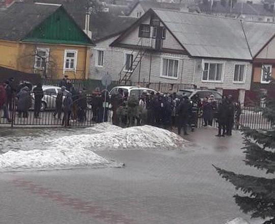 ЧП в Беларуси: старшеклассникс ножом напал на учительницу и детей