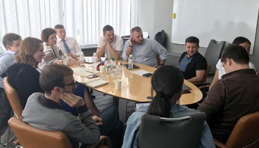 Володимир Зеленський хоче залучити HR-агенції до пошуку людей на державні посади