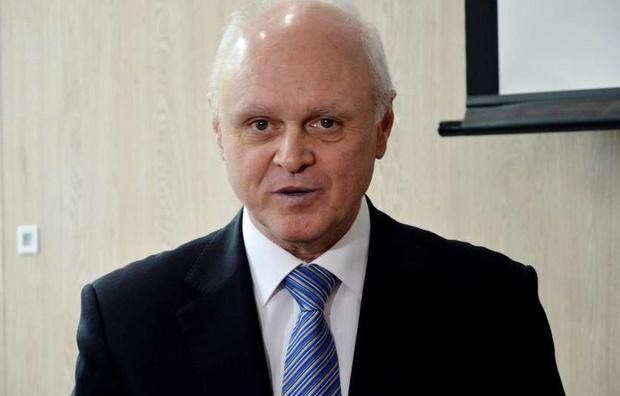У Зеленського пропонують закупити озброєння та квартири для військових