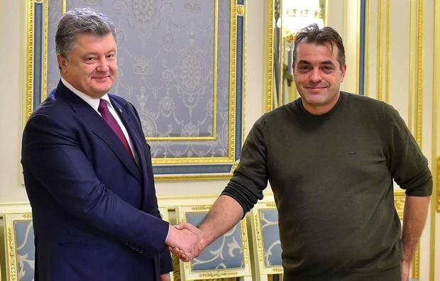 Радника Порошенка звинуватили у привласненні гуманітарки на 20 млн грн