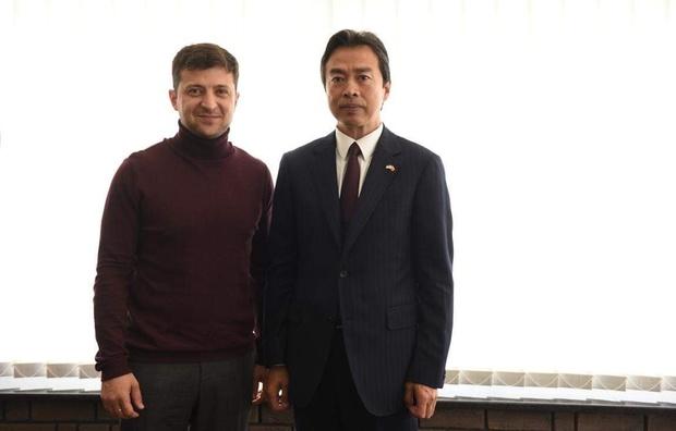 Зеленський зустрівся з послом Китаю в Україні