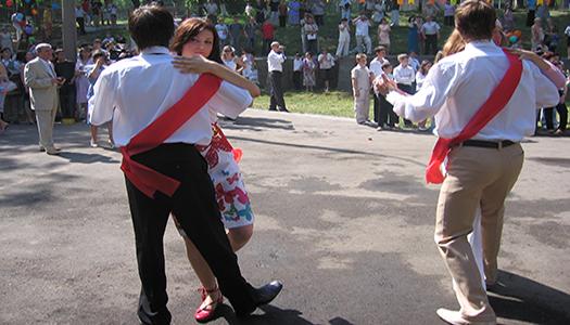 В школах Киева праздник последнего звонка пройдет 31 мая