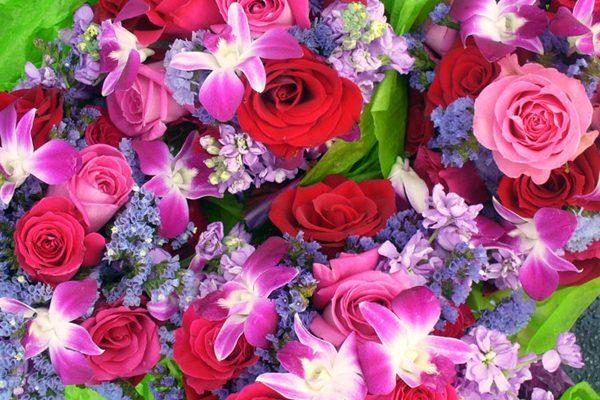 Доставка цветов в Ровно ко Дню Матери от Roza24.com.ua: выбираем креативное поздравление